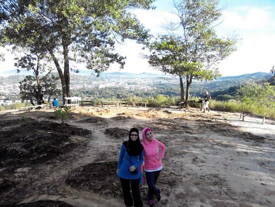 Mendaki Bukit Padang Kota Kinabalu 4