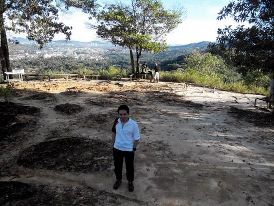 Mendaki Bukit Padang Kota Kinabalu 7