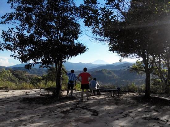 Mendaki Bukit Padang Kota Kinabalu 1