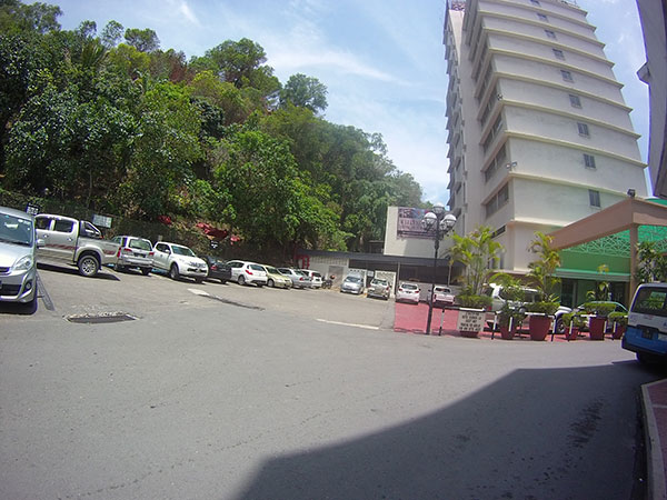 Parking Avaiable at Shangri-La