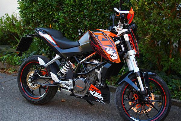 Pilihan Sukar Antara KTM RC200 dan Duke 250 2