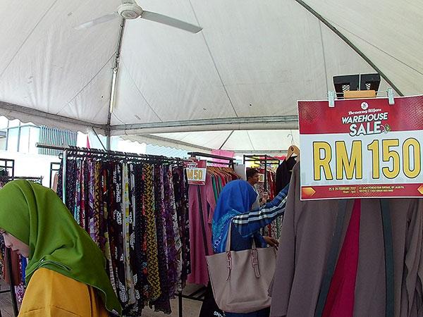 Benang Hijau dan Muslimah Clothing (MCC) Buat Warehouse Sale 2