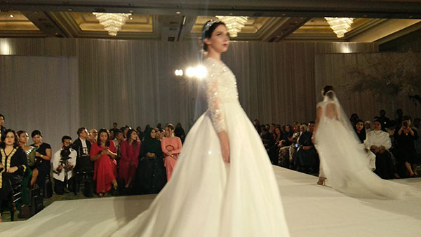 Rekaan Baju Kahwin Fatimah Mohsin di Kuala Lumpur Malaysia 3